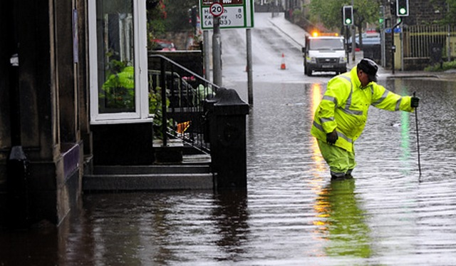 Flooding hits northern England