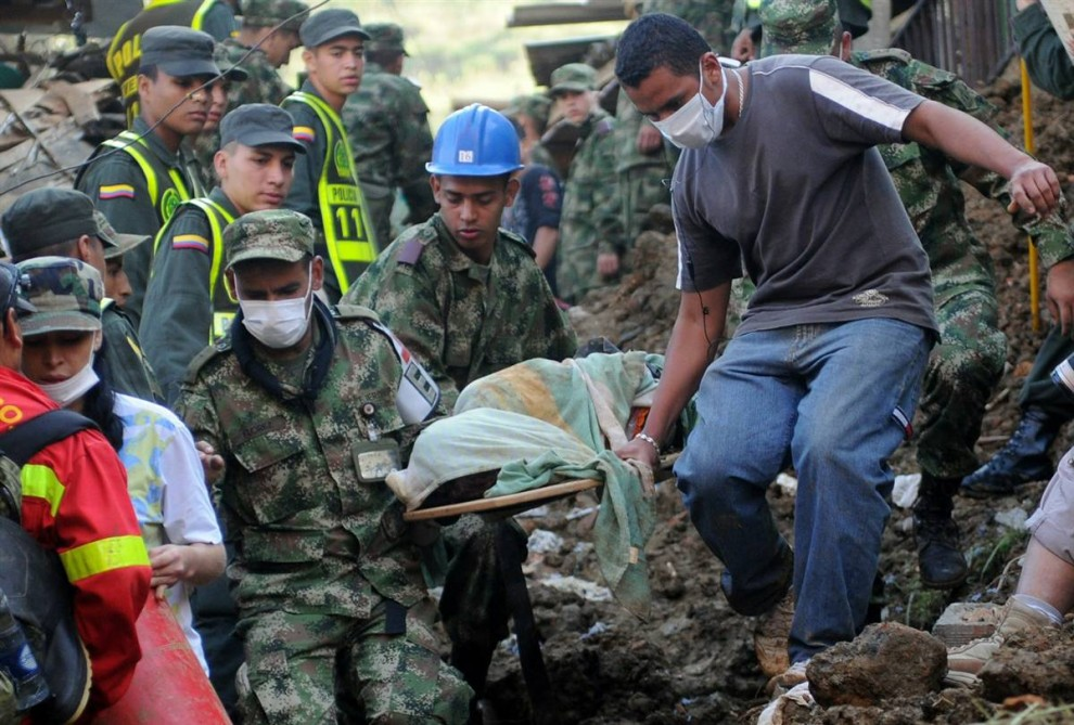ss-101106-colombia-landslide-06.ss_full-990x669
