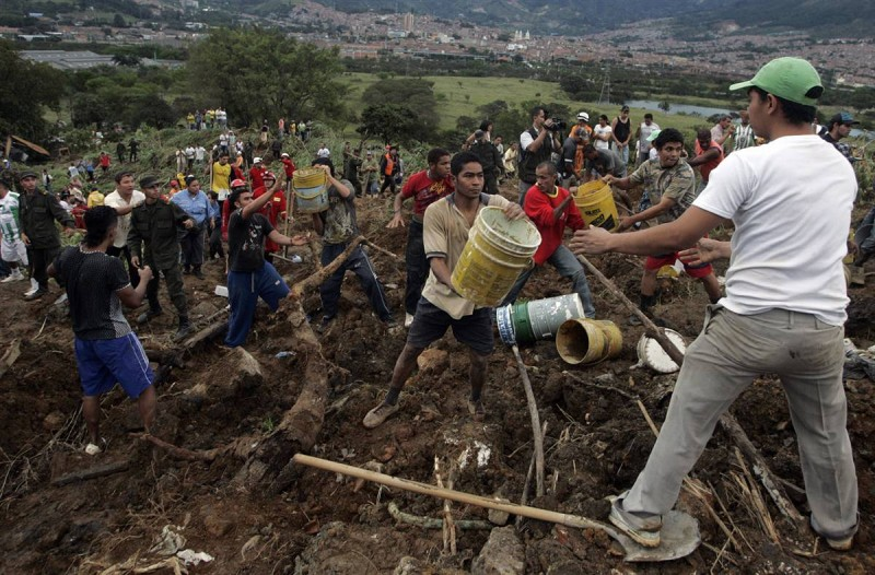 ss-101106-colombia-landslide-08.ss_full-800x526