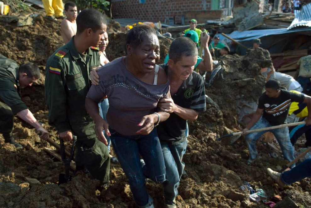 ss-101106-colombia-landslide-10.ss_full-990x663