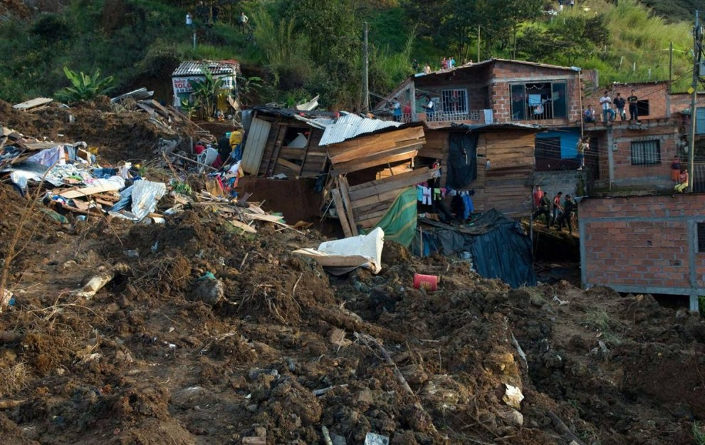 ss-101106-colombia-landslide-11.ss_full-990x625
